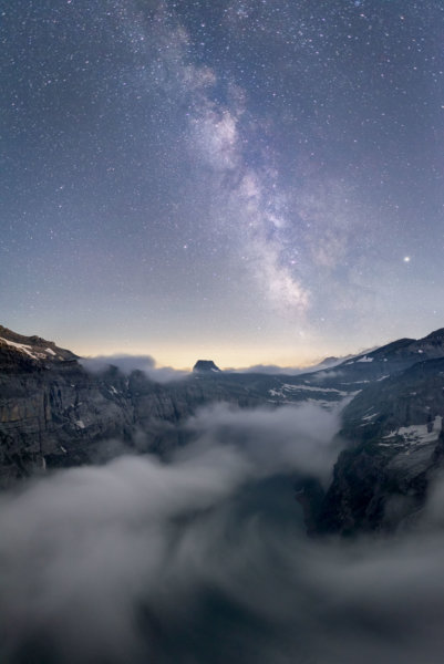 Sea of fog leading to the milky way